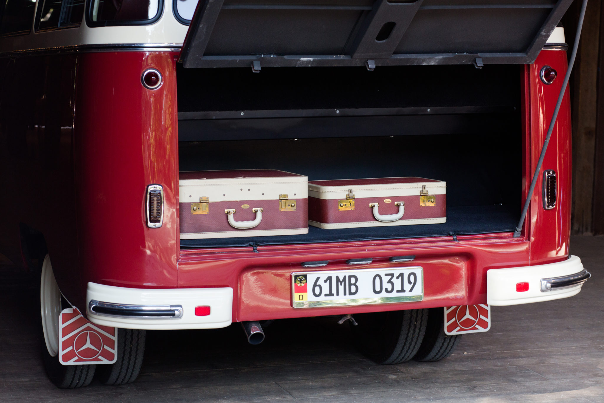 1961 Mercedes-Benz O 319 Suitcases in Open Trunk