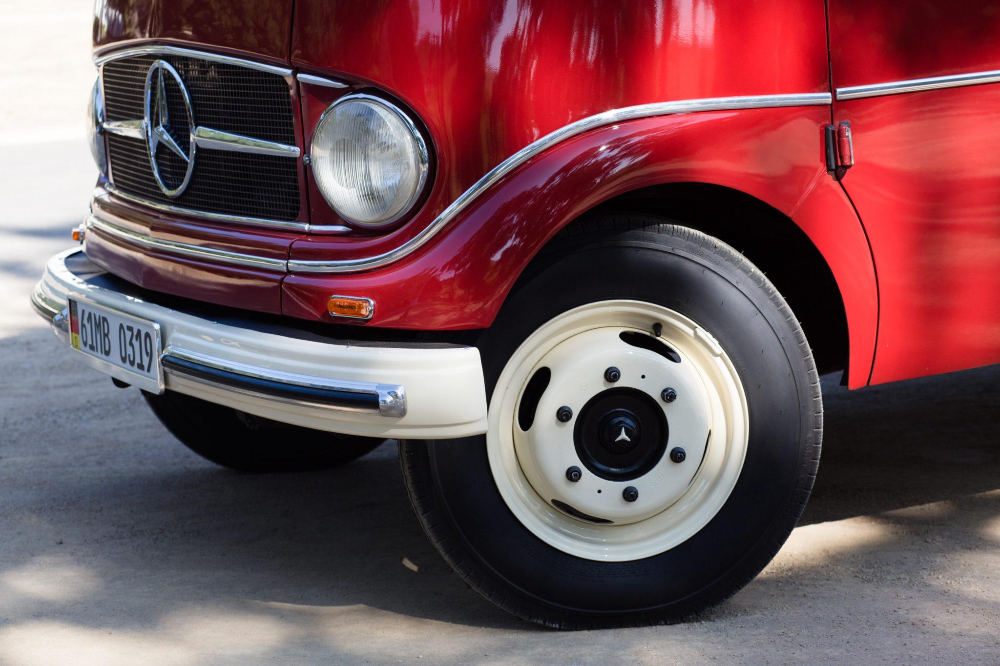 1961 Mercedes-Benz O 319 Front Fascia