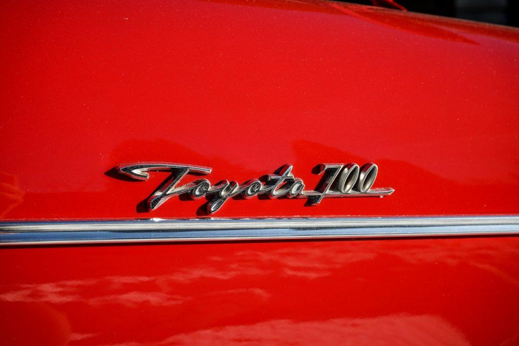 1966-Toyota-Publica-700-logo