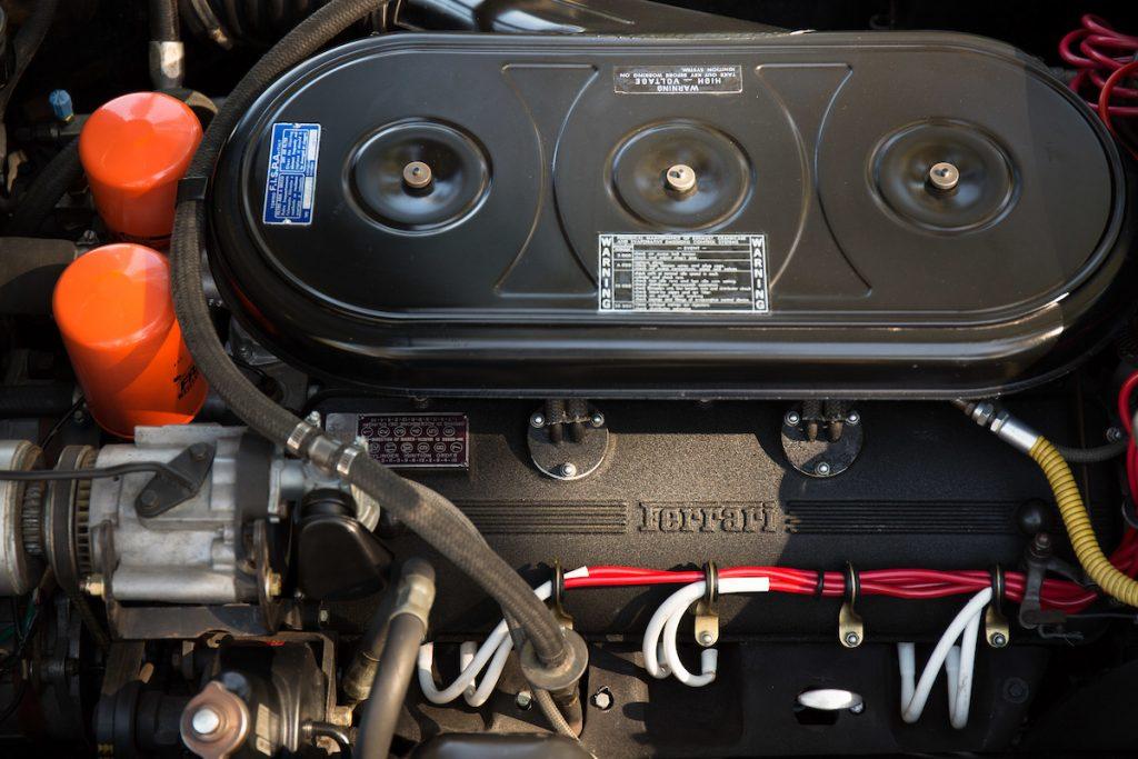 1969-Ferrari-365-2-2 engine