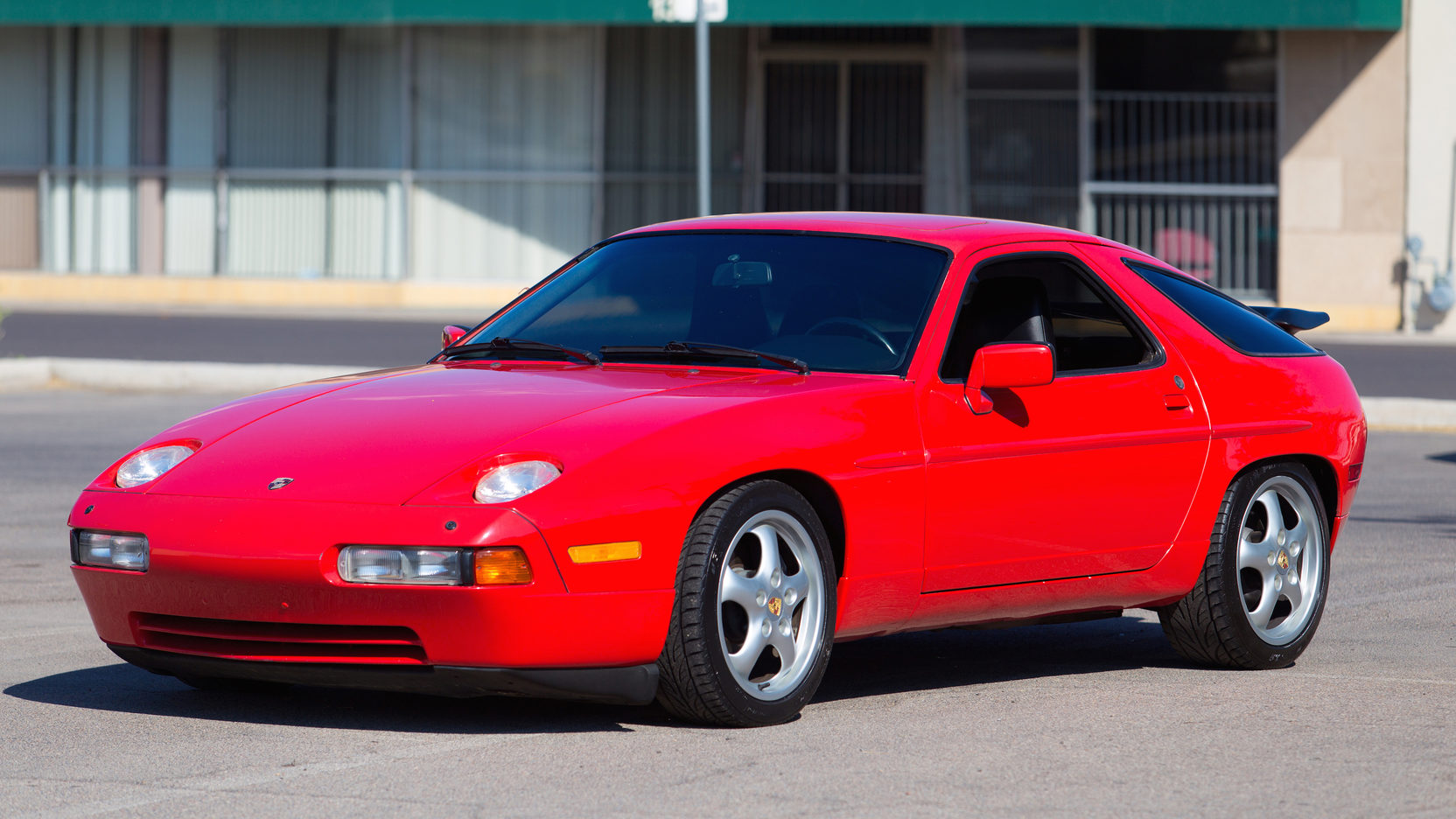 1987 Porsche 928 S4 Front Three-Quarter