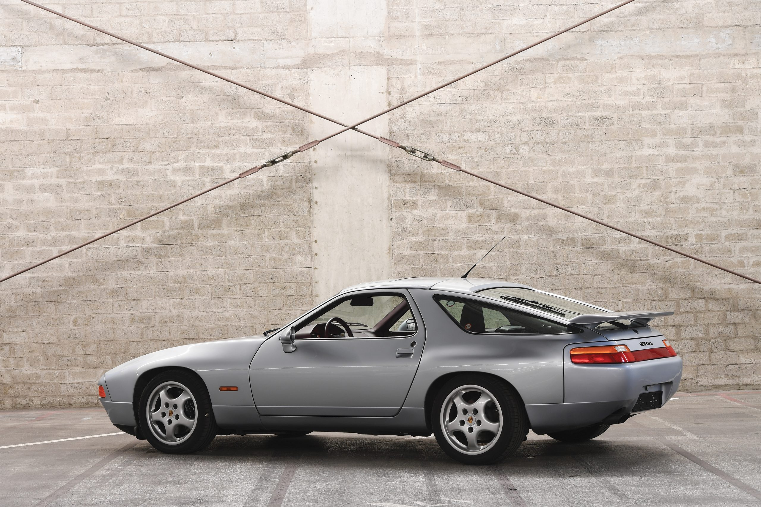 1992 Porsche 928 GTS Rear Three-Quarter