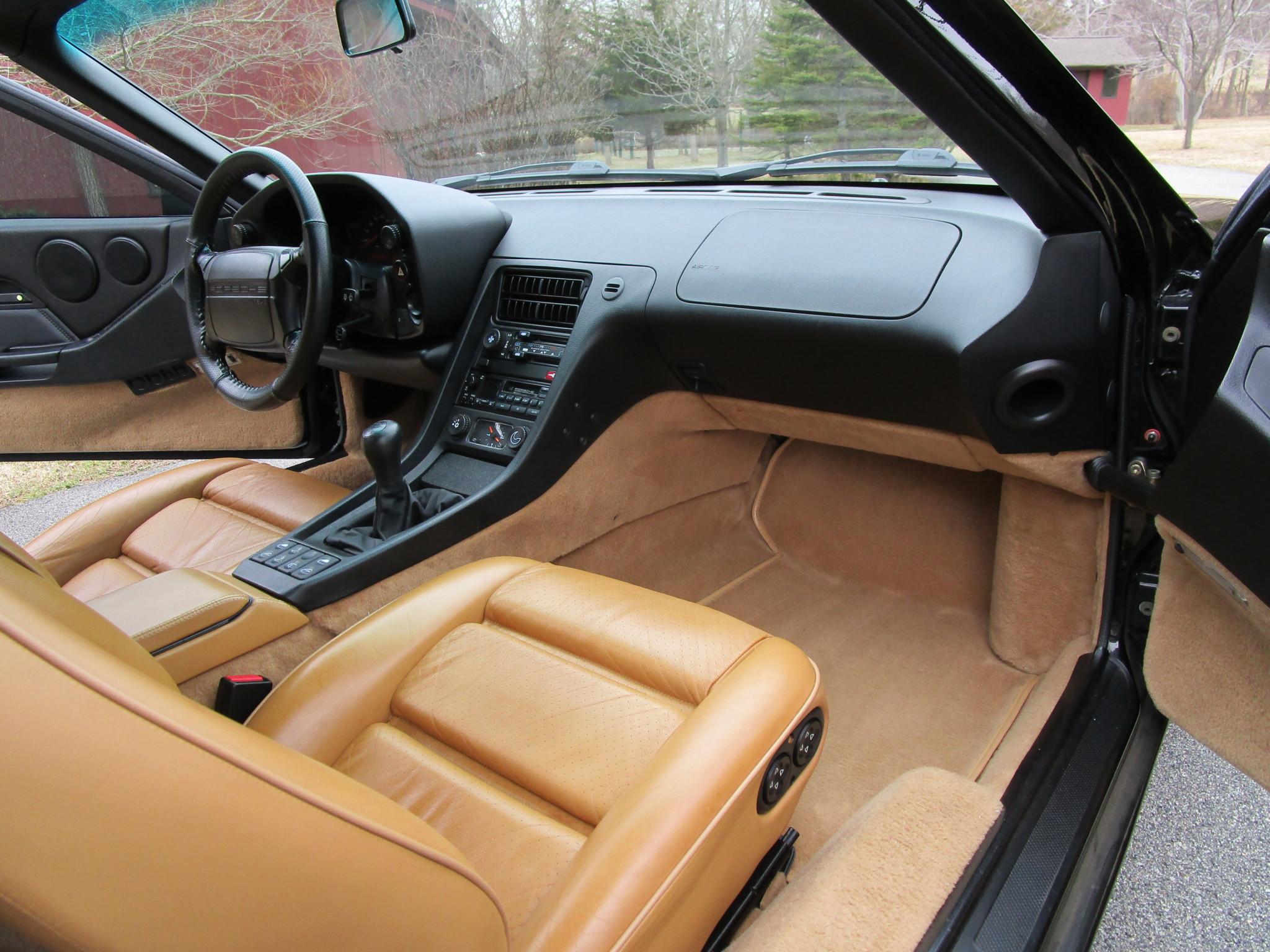1995 Porsche 928 GTS 5-Speed Interior