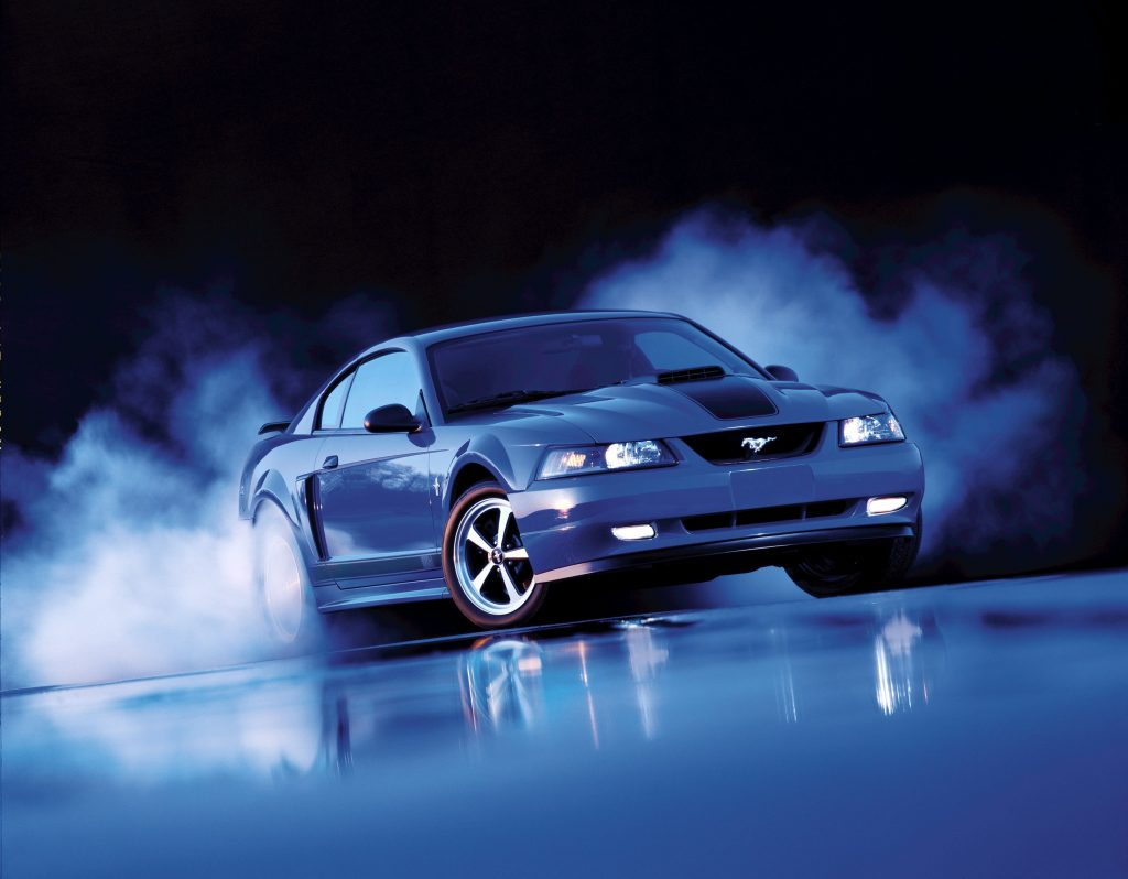 2003-Ford-Mustang-Mach 1-burnout