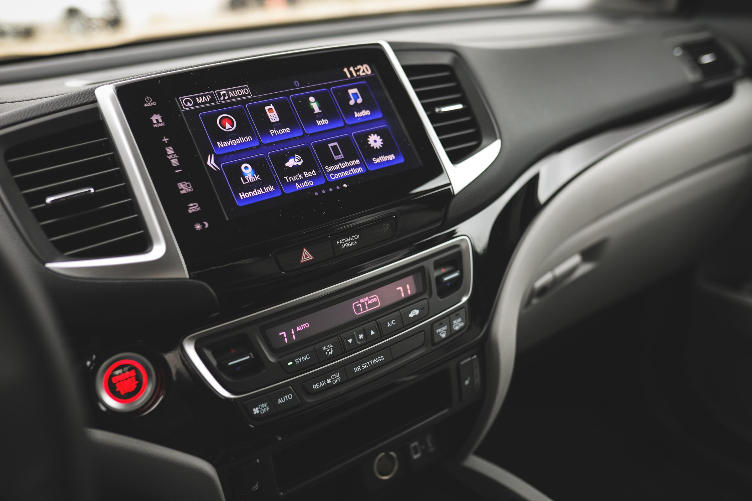 2020 Honda Ridgeline RTL-E infotainment screen