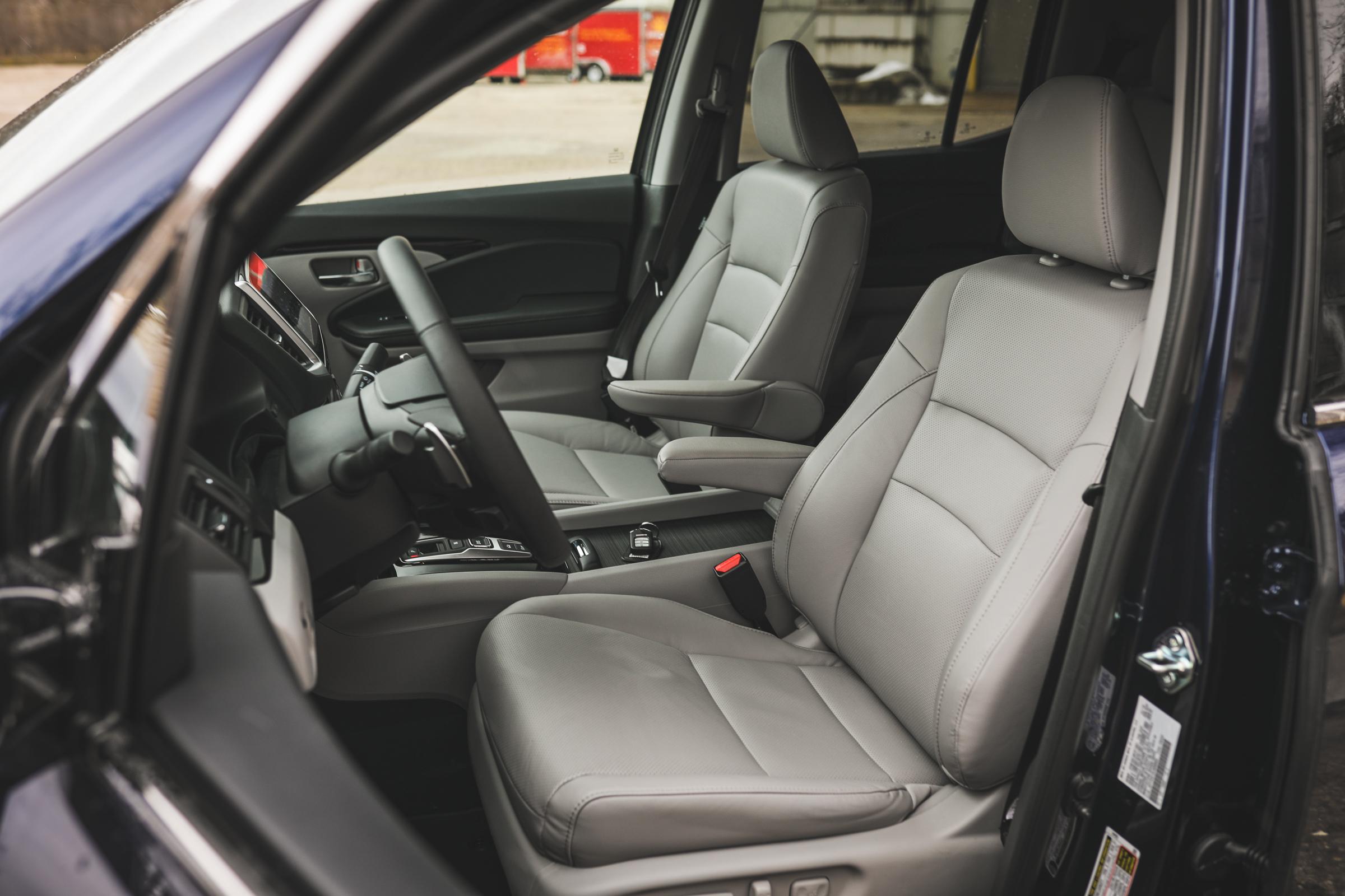 2020 Honda Ridgeline RTL-E interior drivers side seats