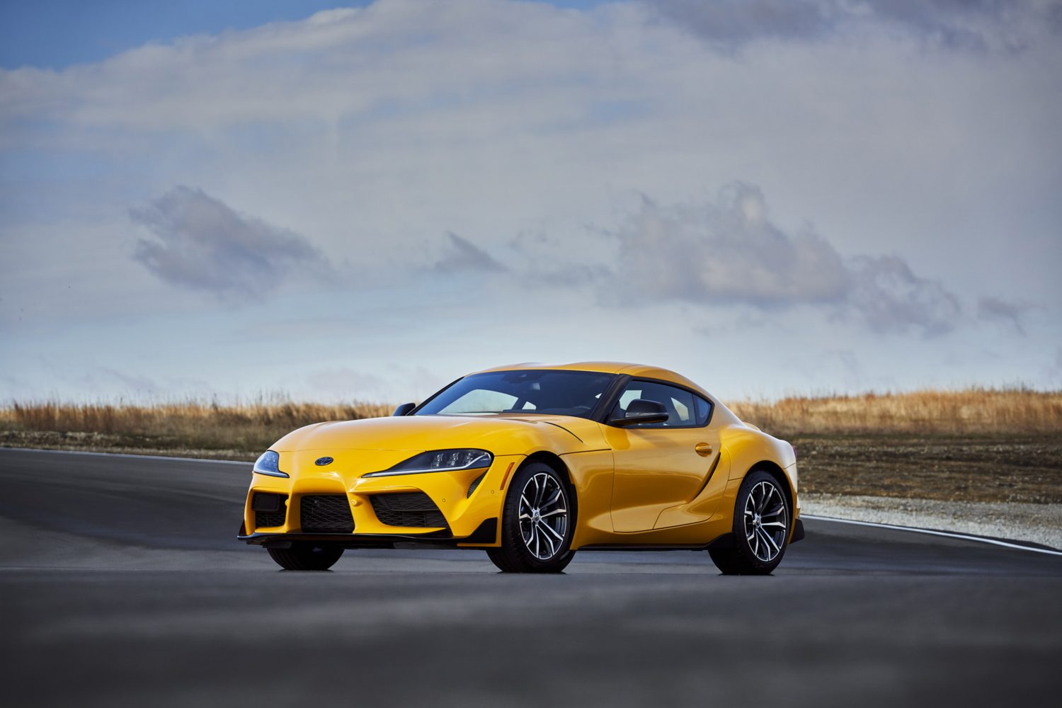2021 Toyota Supra gets 47 more hp, but worse fuel economy ...