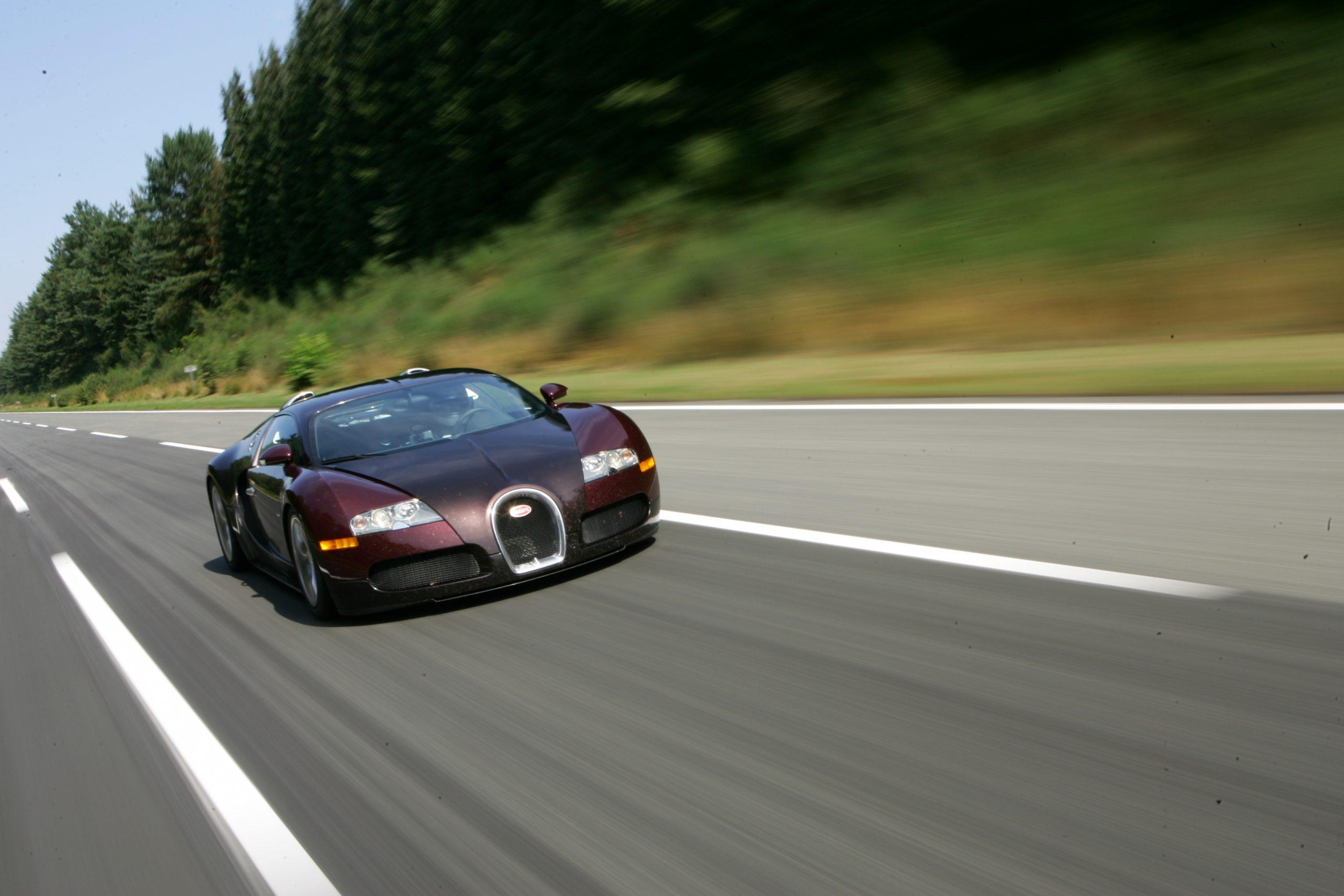 Bugatti Veyron 250 mph front three quarter