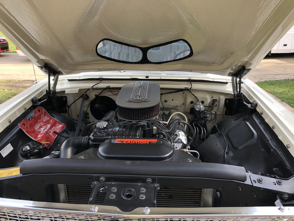 Ford Galaxie 500XL Engine Front