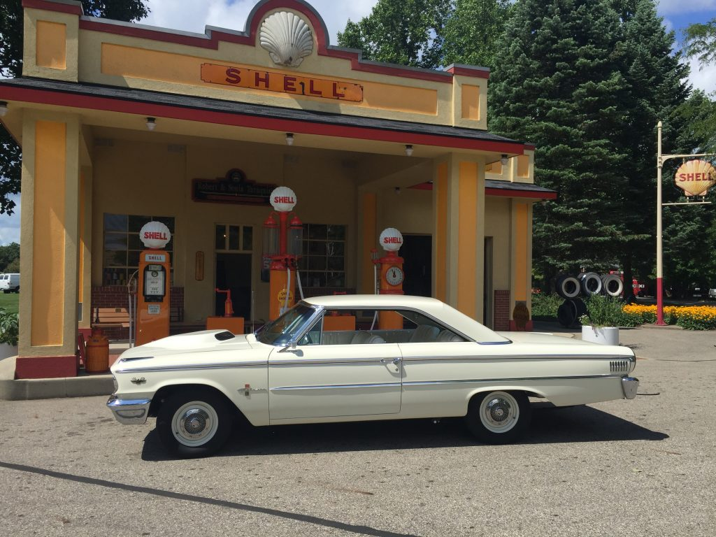 Ford Galaxie 500XL Side Profile Shell Station