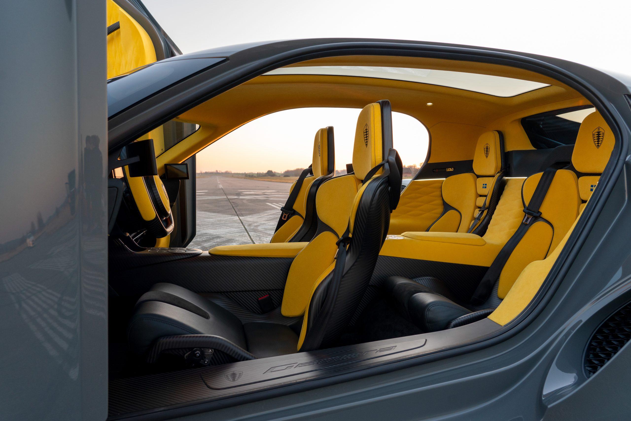 Koenigsegg Gemera interior seats