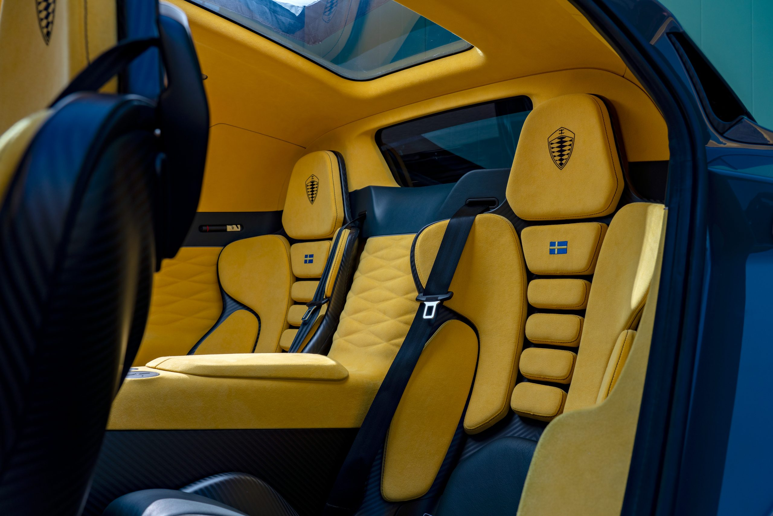 Koenigsegg Gemera seat yellow rear