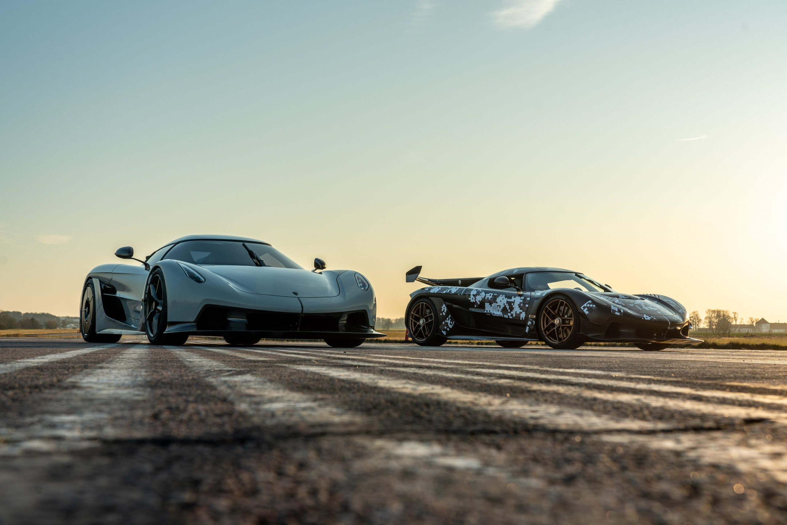 Koenigsegg Jesko Absolut regular Jesko pair