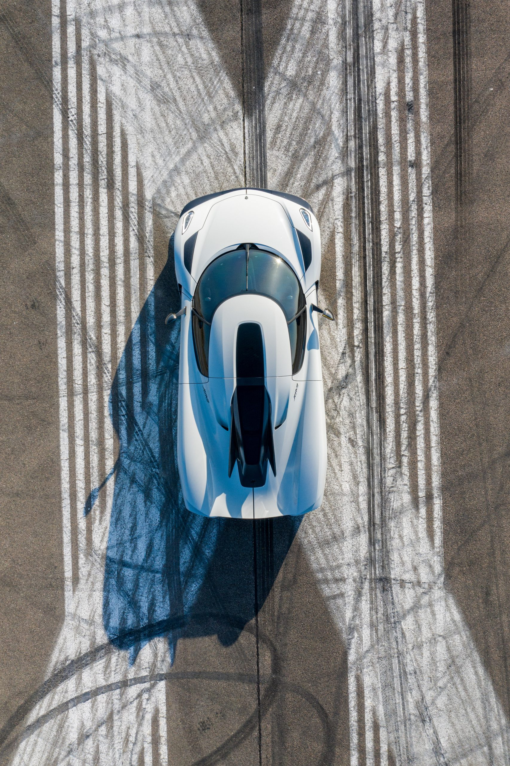 Koenigsegg Jesko Absolut roof windshield