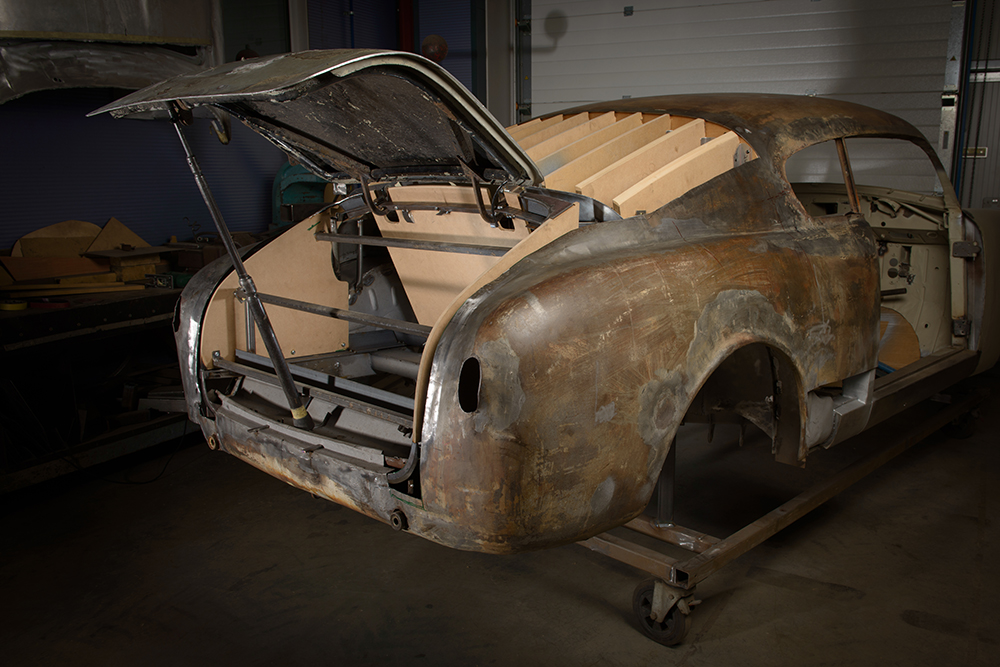 1951 Lancia Aurelia Bracco rear trunk wood buck restoration
