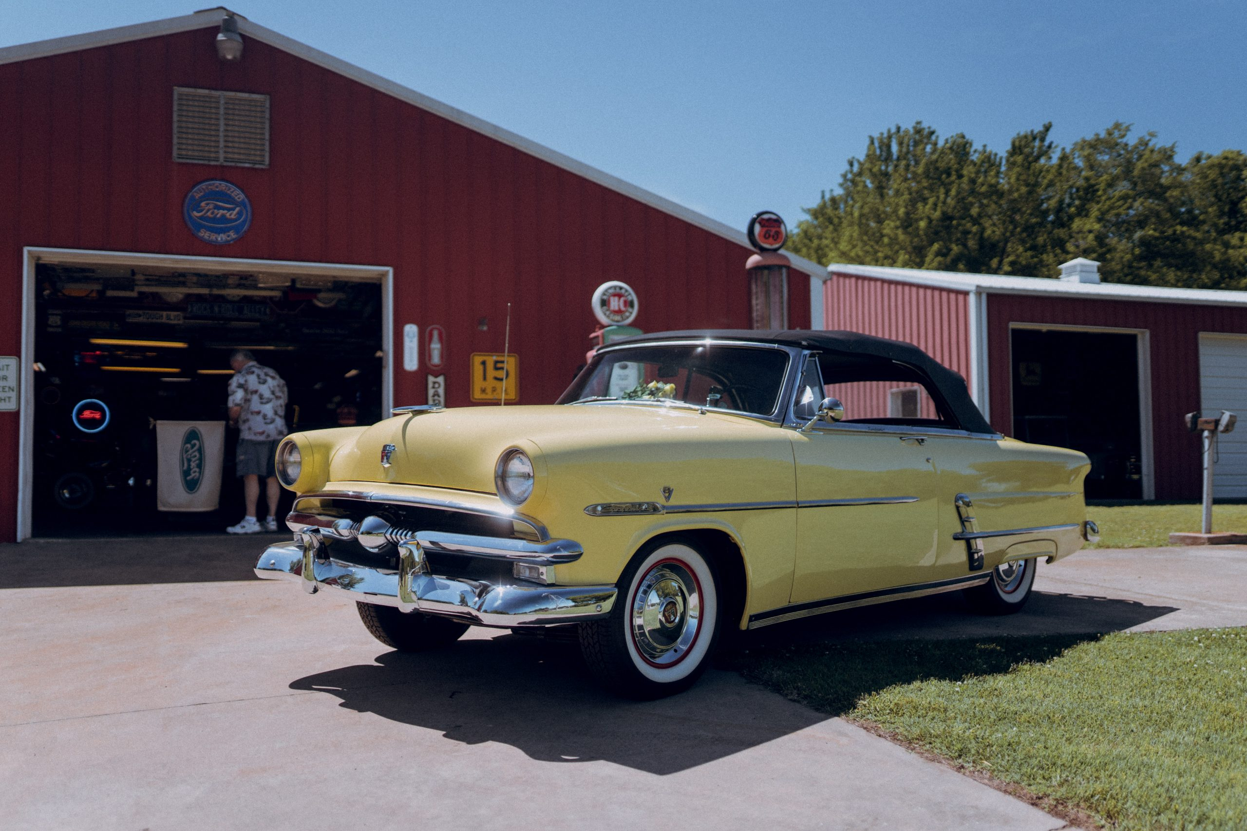 Max Williams Ford Sunliner