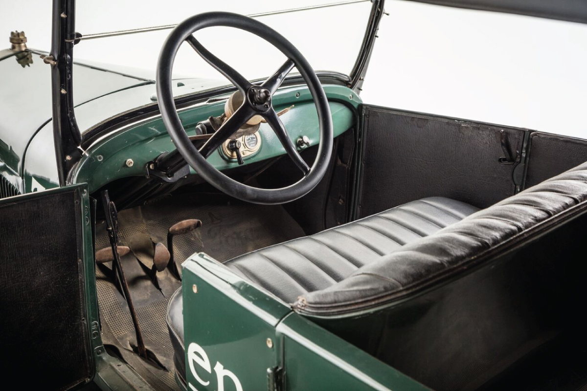 1927 Model T Touring 15 millionth interior