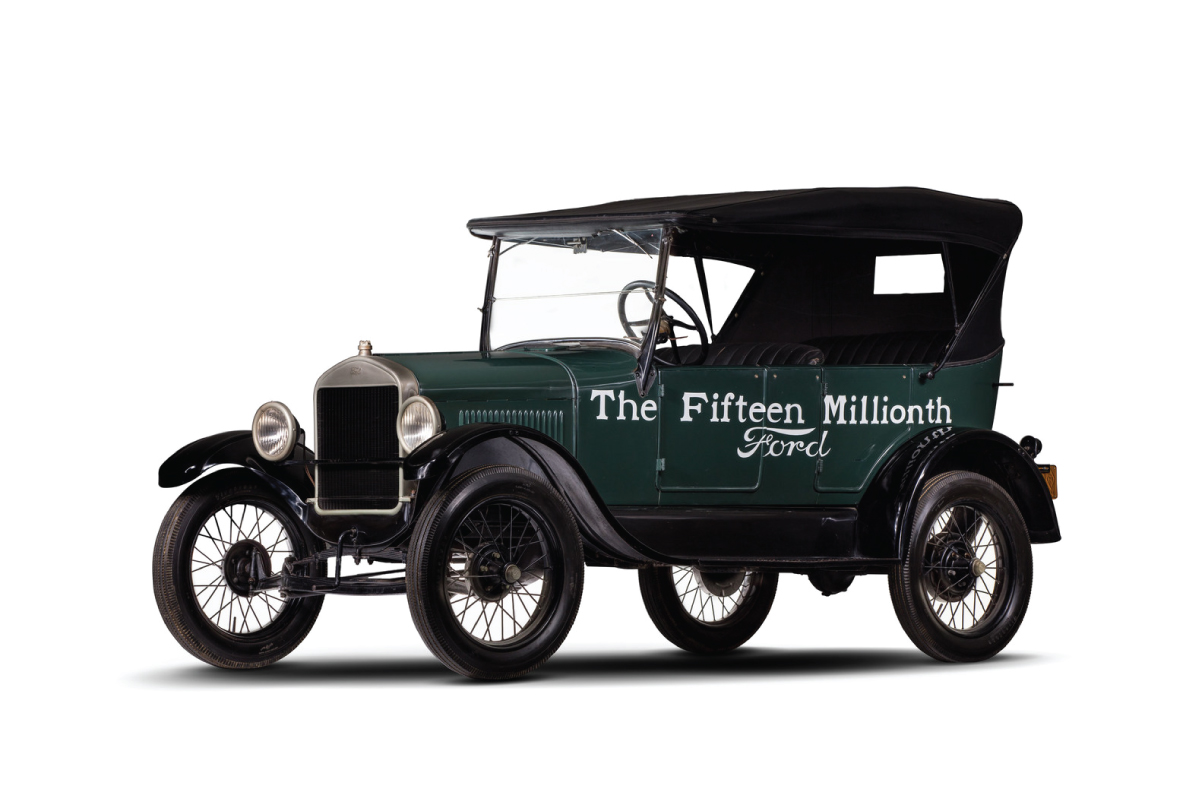 1927 Model T Touring 15 millionth front three quarter