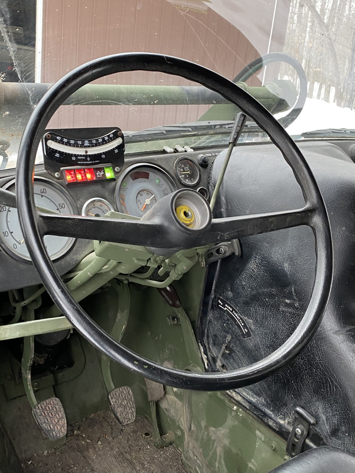 Petroelje unimog dashboard