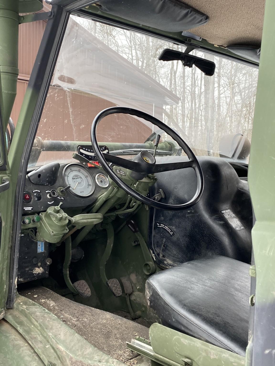 1989 Freightliner Unimog 419 inside drivers door