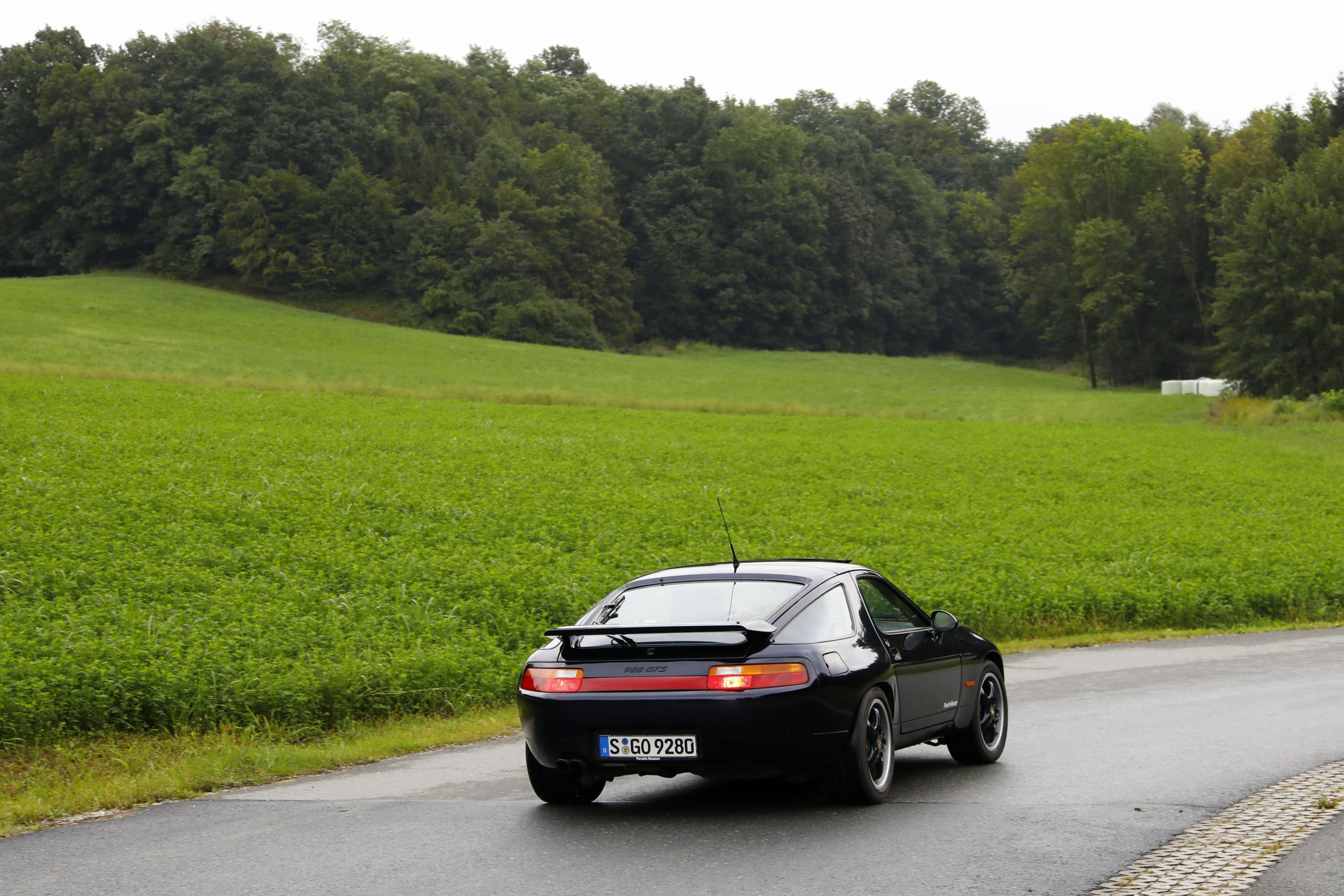 Porsche 928 GTS Rear Three-Quarter