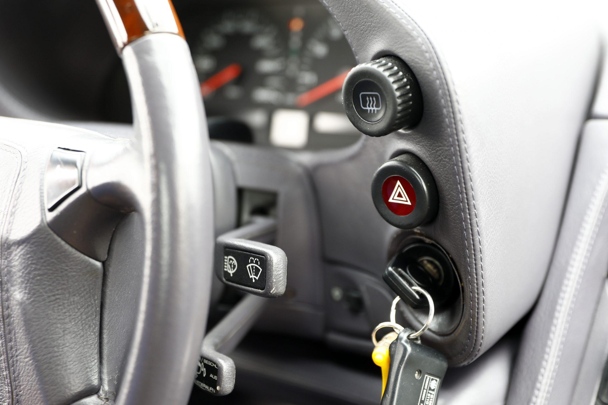 Porsche 928 GTS Buttons