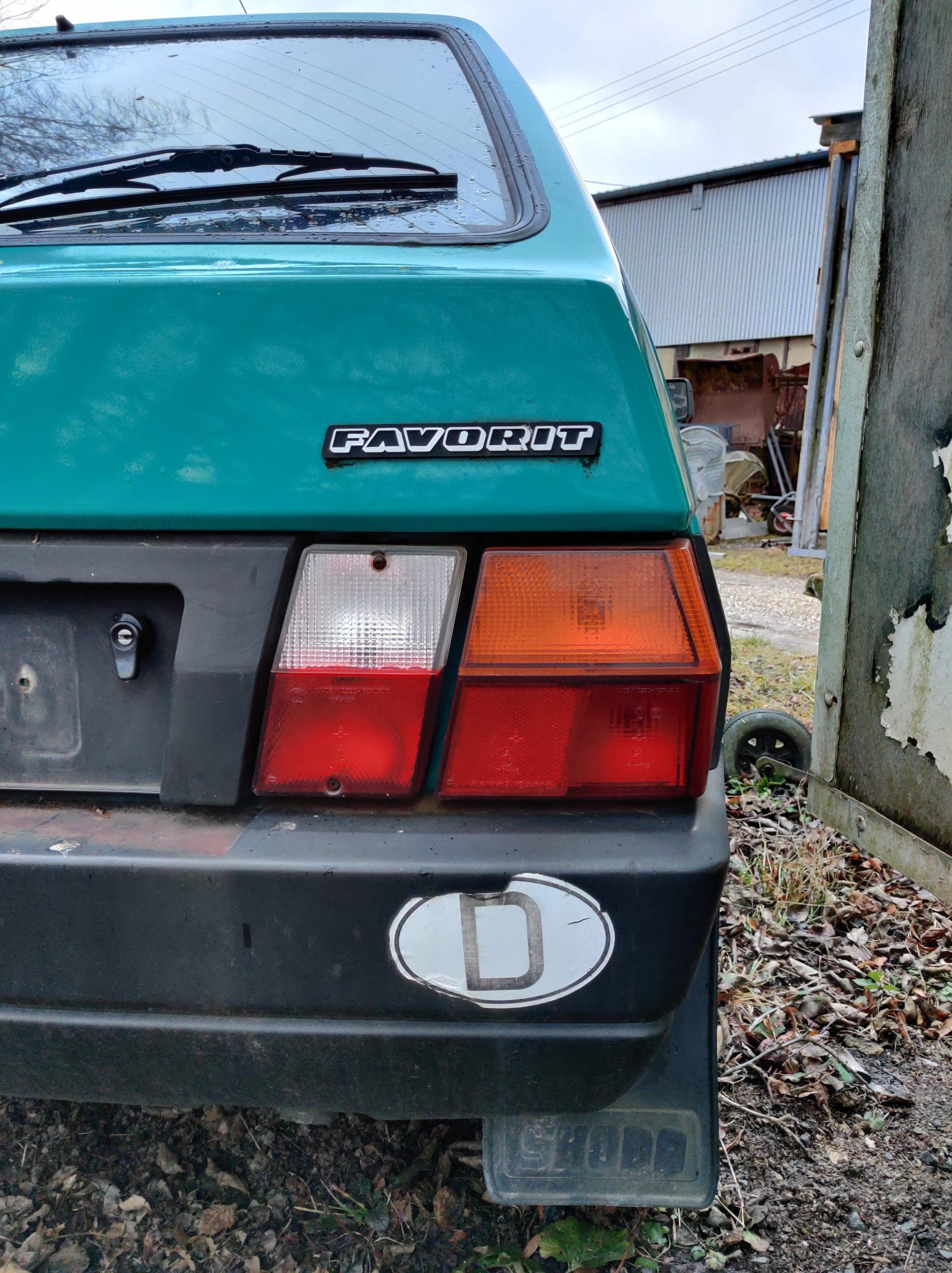 skoda favorit right taillight