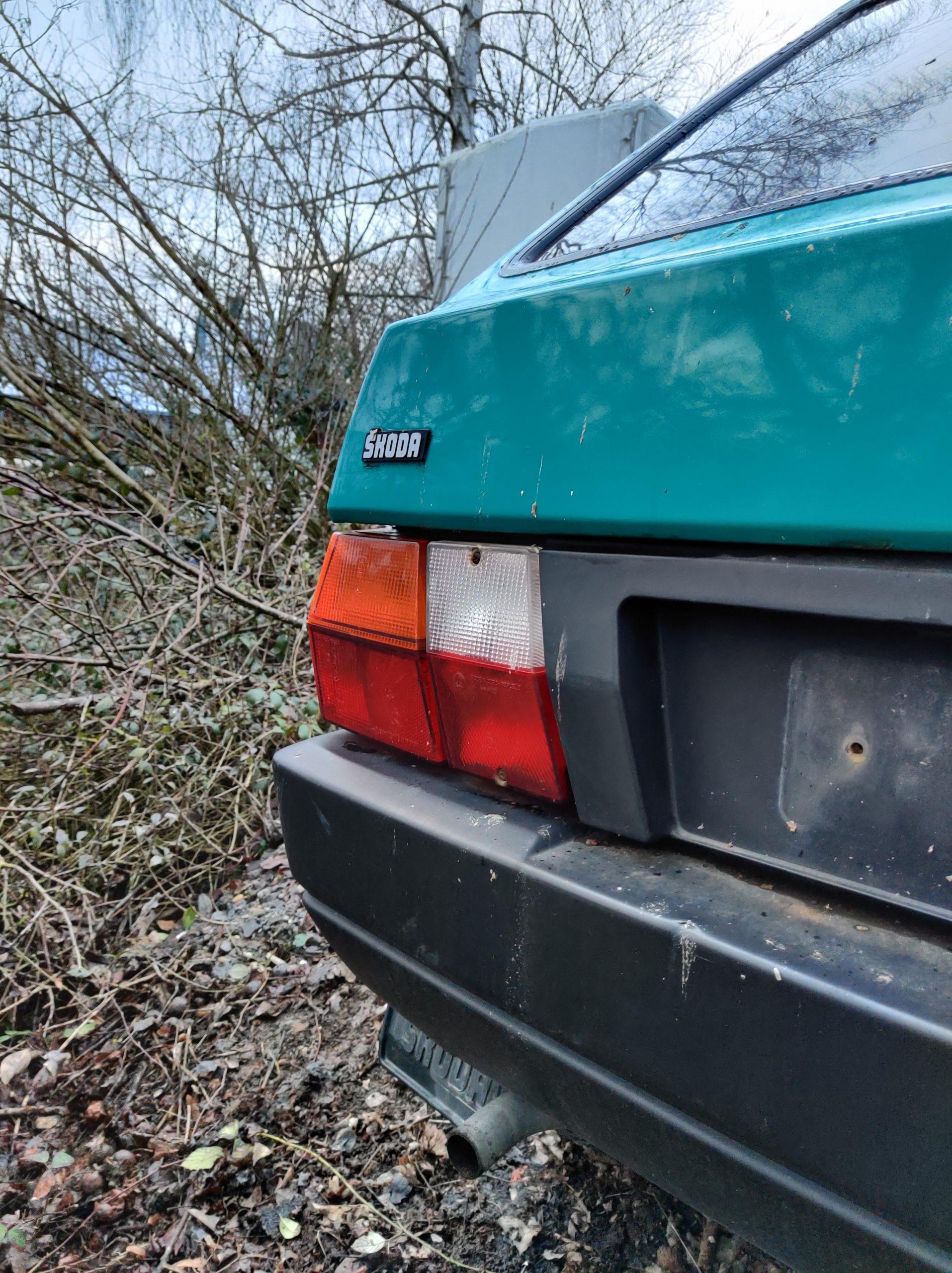 teal skoda favorit rear left taillight