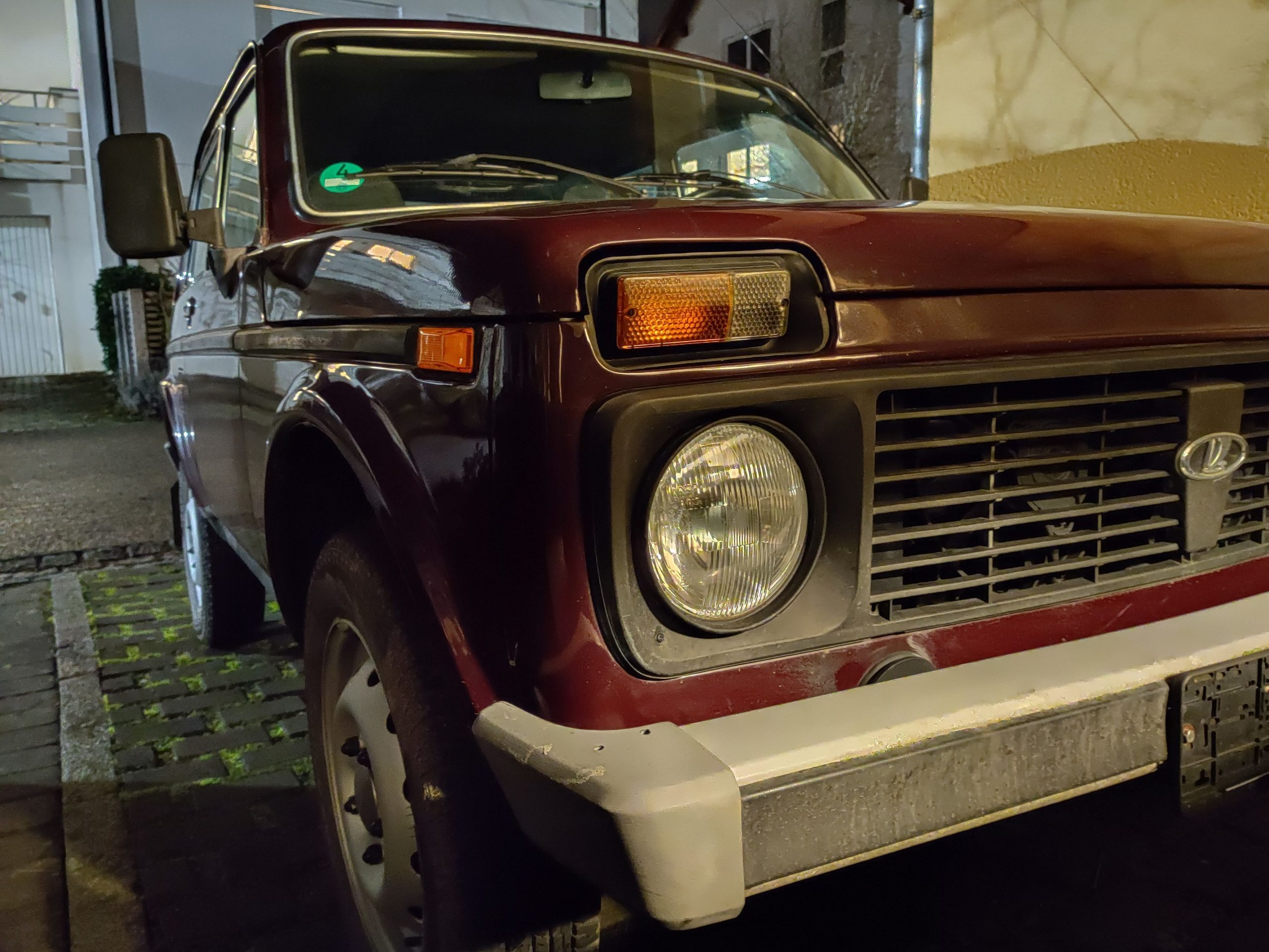 lada niva front left headlight fender