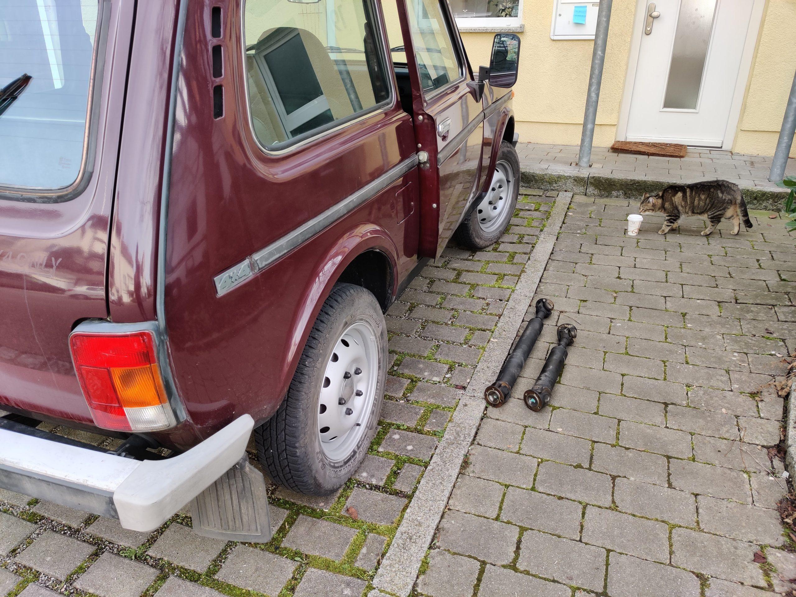 red lada niva rear side driveshaft