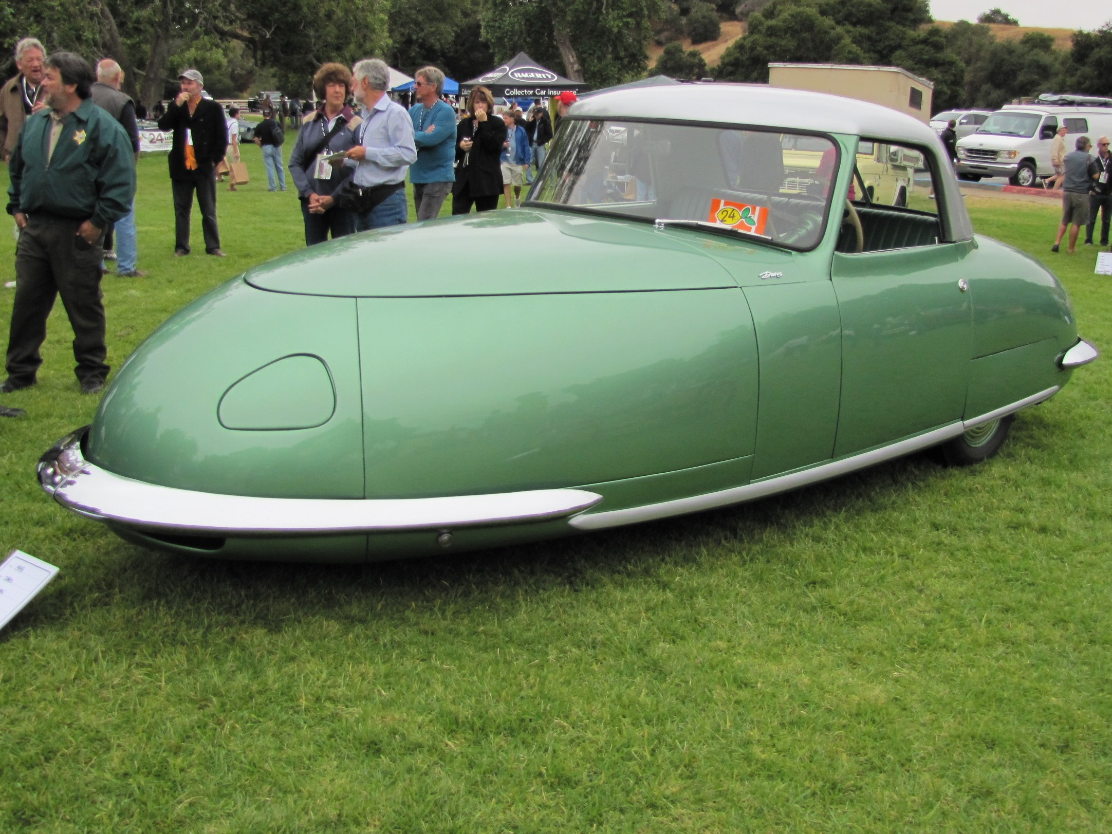 Wayne Carini's 1948 Davis Divan front three-quarter at 2010 Concours d'LeMons