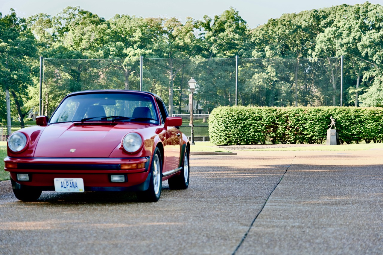 1985 Porsche 911 Carrera Targa front three quarter