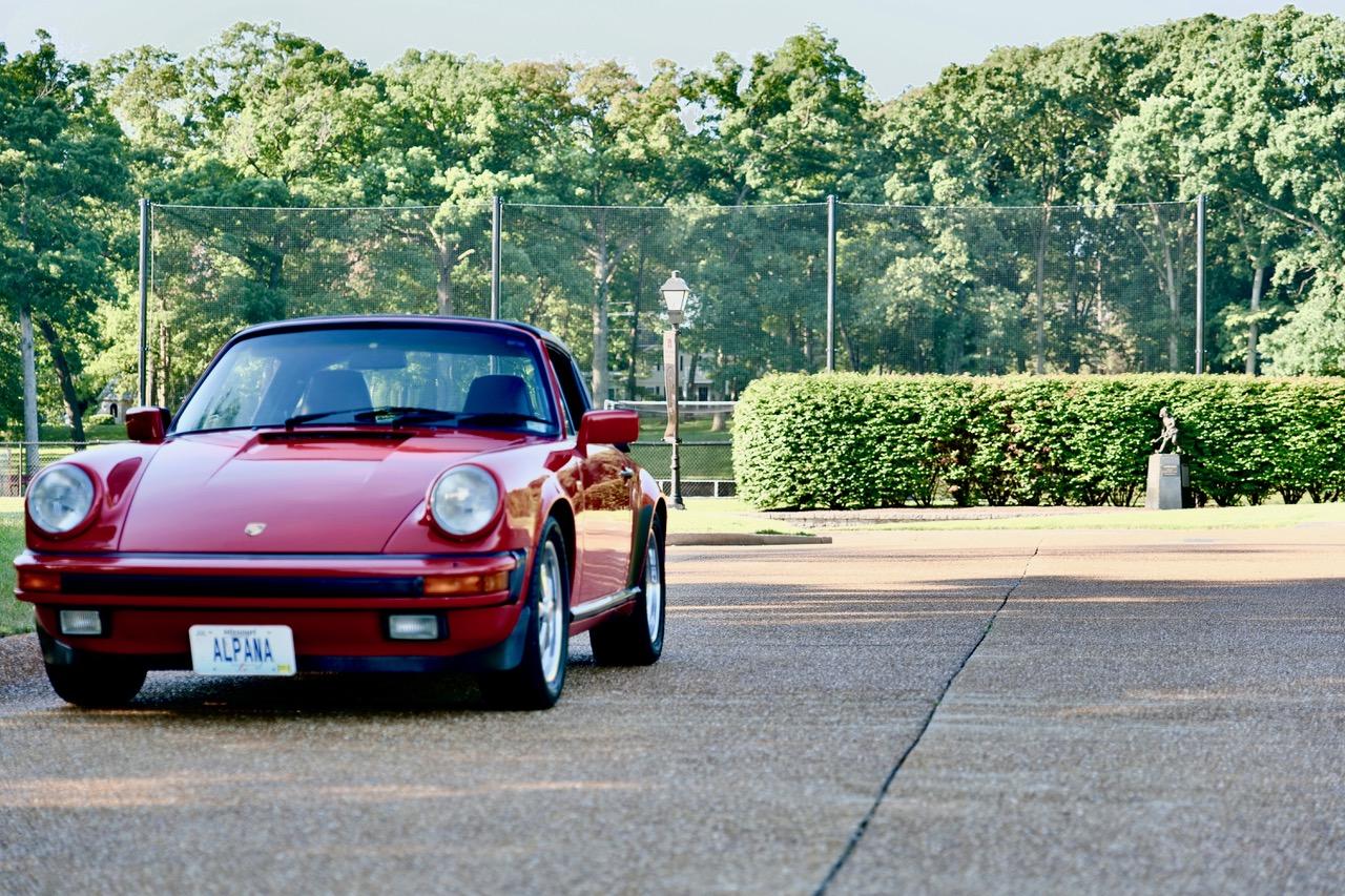 1985 Porsche 911 Carrera Targa front three quarter