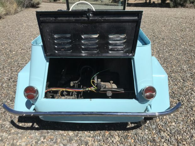 blue king midget open engine bay