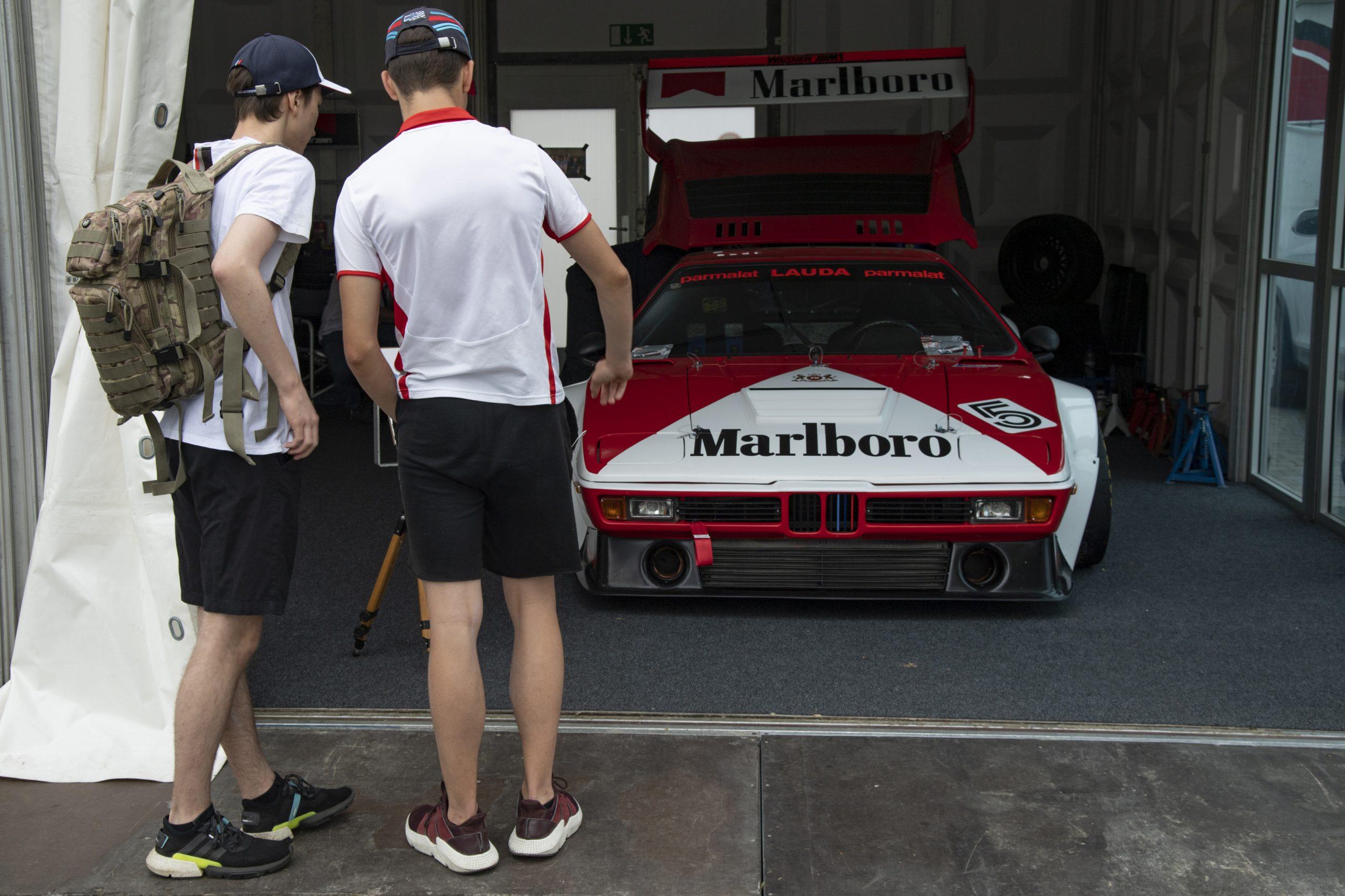 niki lauda m1 procar fans garage norisring