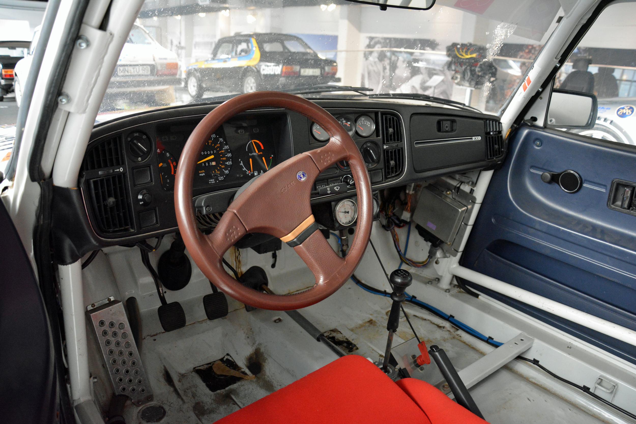 saab museum 900 t16 rally cross wheel