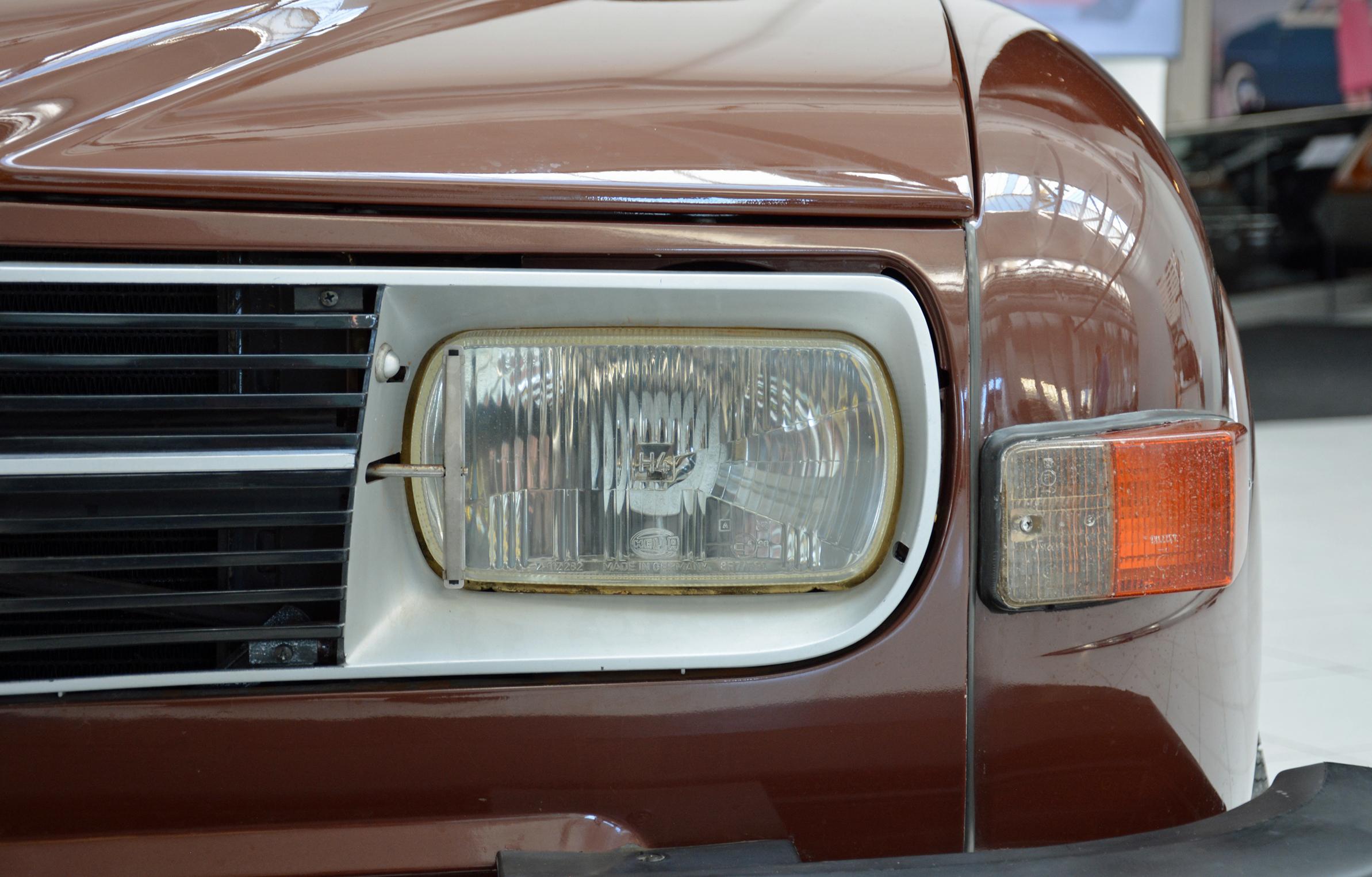 saab museum prototype 98 headlight