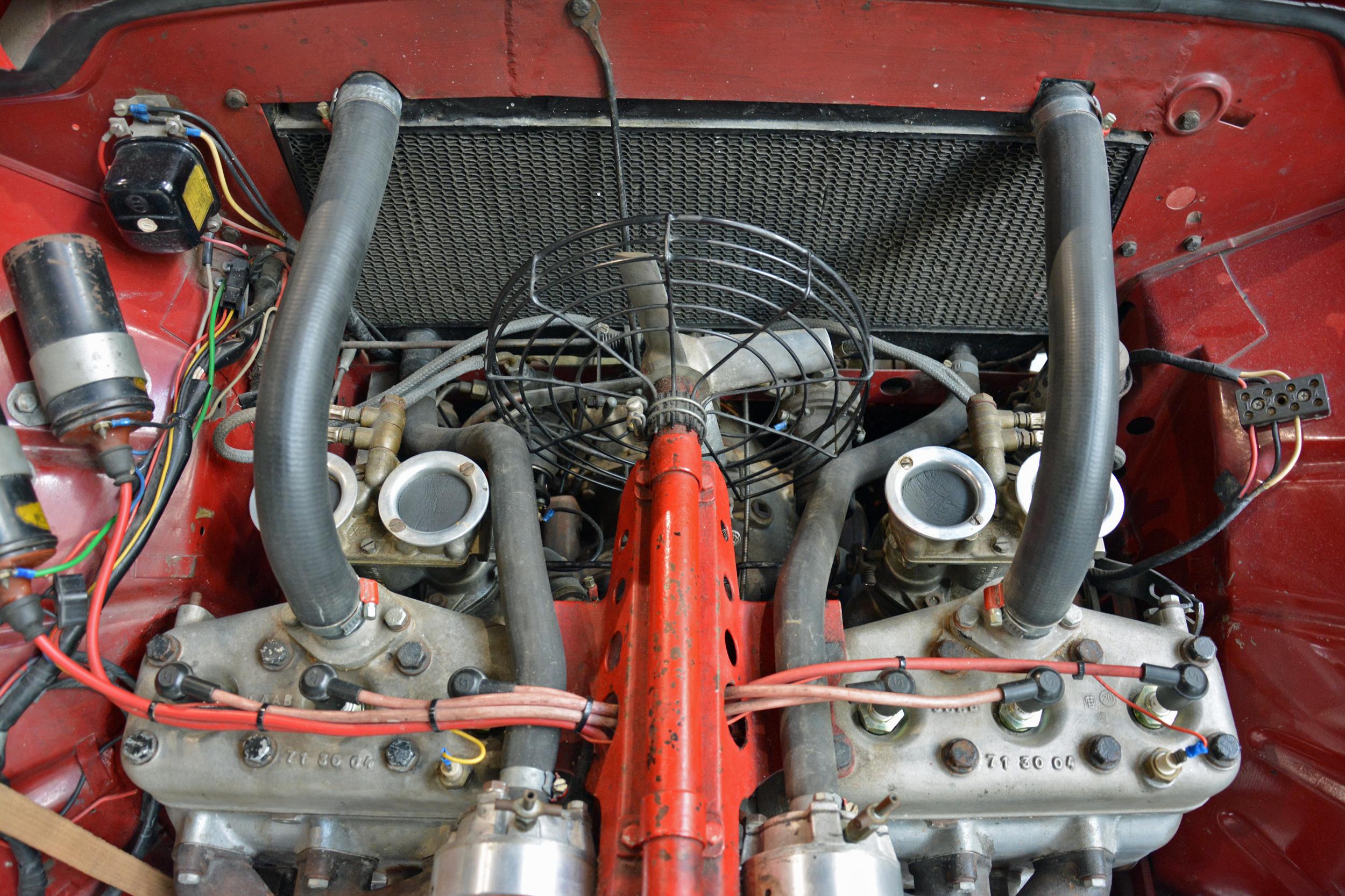 saab museum 93 engine top view