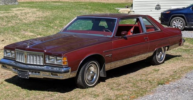 1978 Pontiac Bonneville Brougham Front Three-Quarter Full