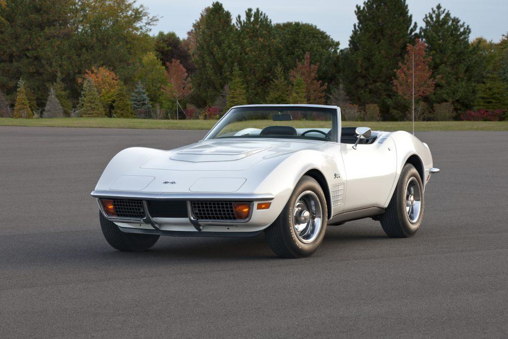 1972 Chevrolet Corvette Stingray Coupe Front Three-Quarter
