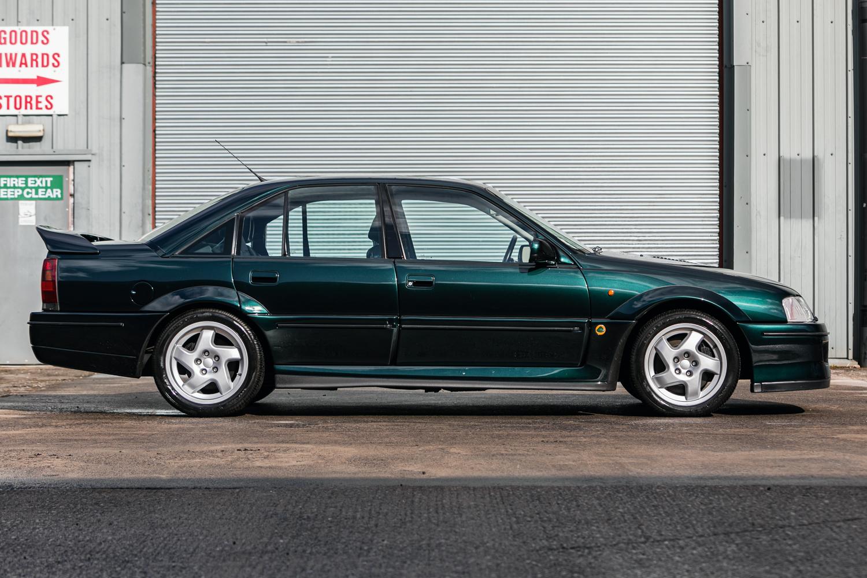 1992 Vauxhall Lotus Carlton Side Profile