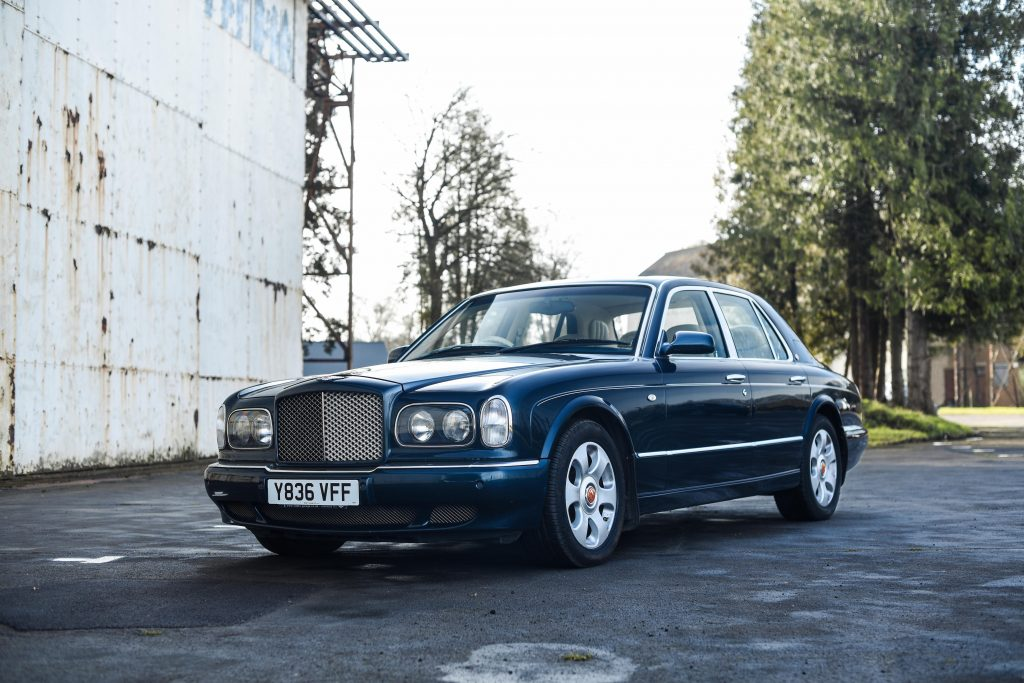 2001 Bentley Arnage Red Label Front Three-Quarter