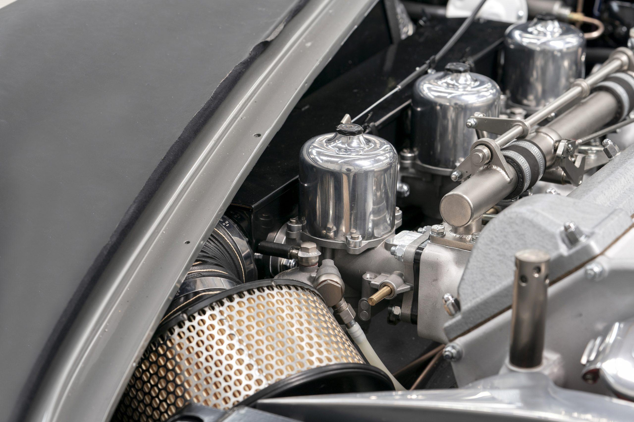 James Bond DB5 Goldfinger Engine