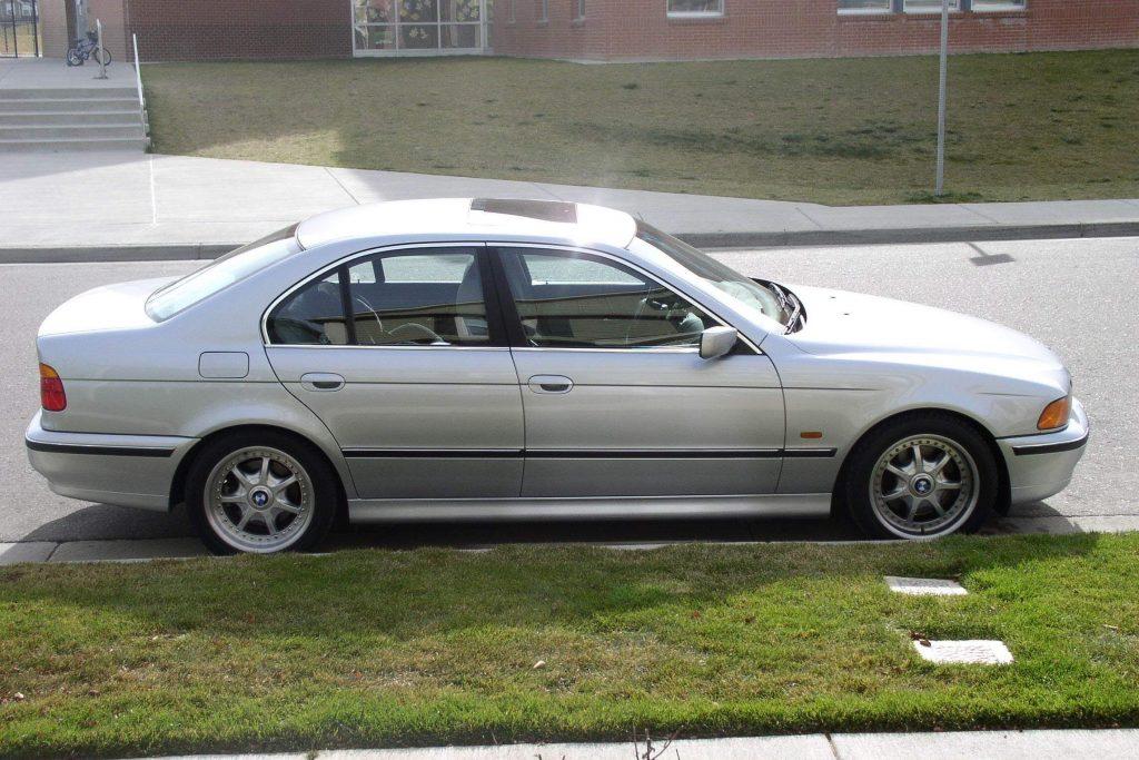 90s cars live BMW 540i