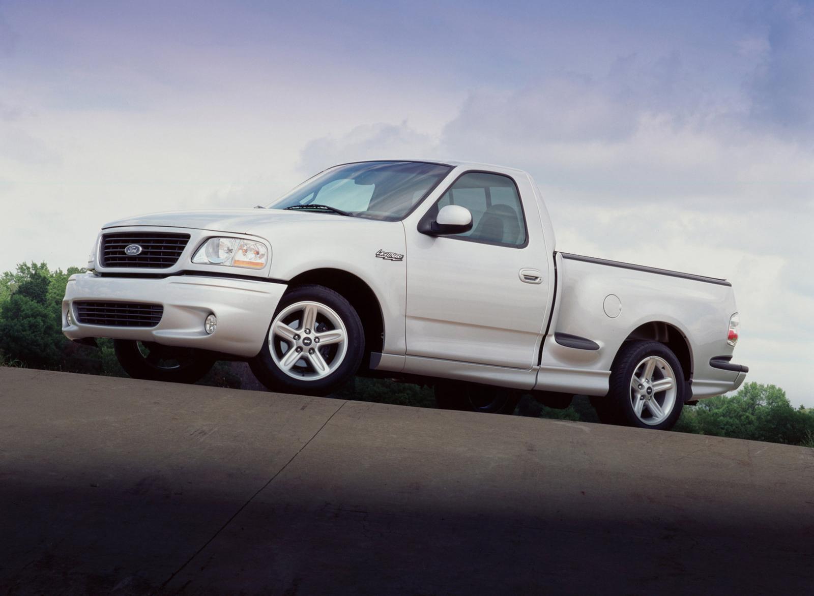 2004 Silver Ford SVT Lightning Front Three-Quarter