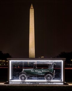 Ford Model T - HVA in front of Washington Monument