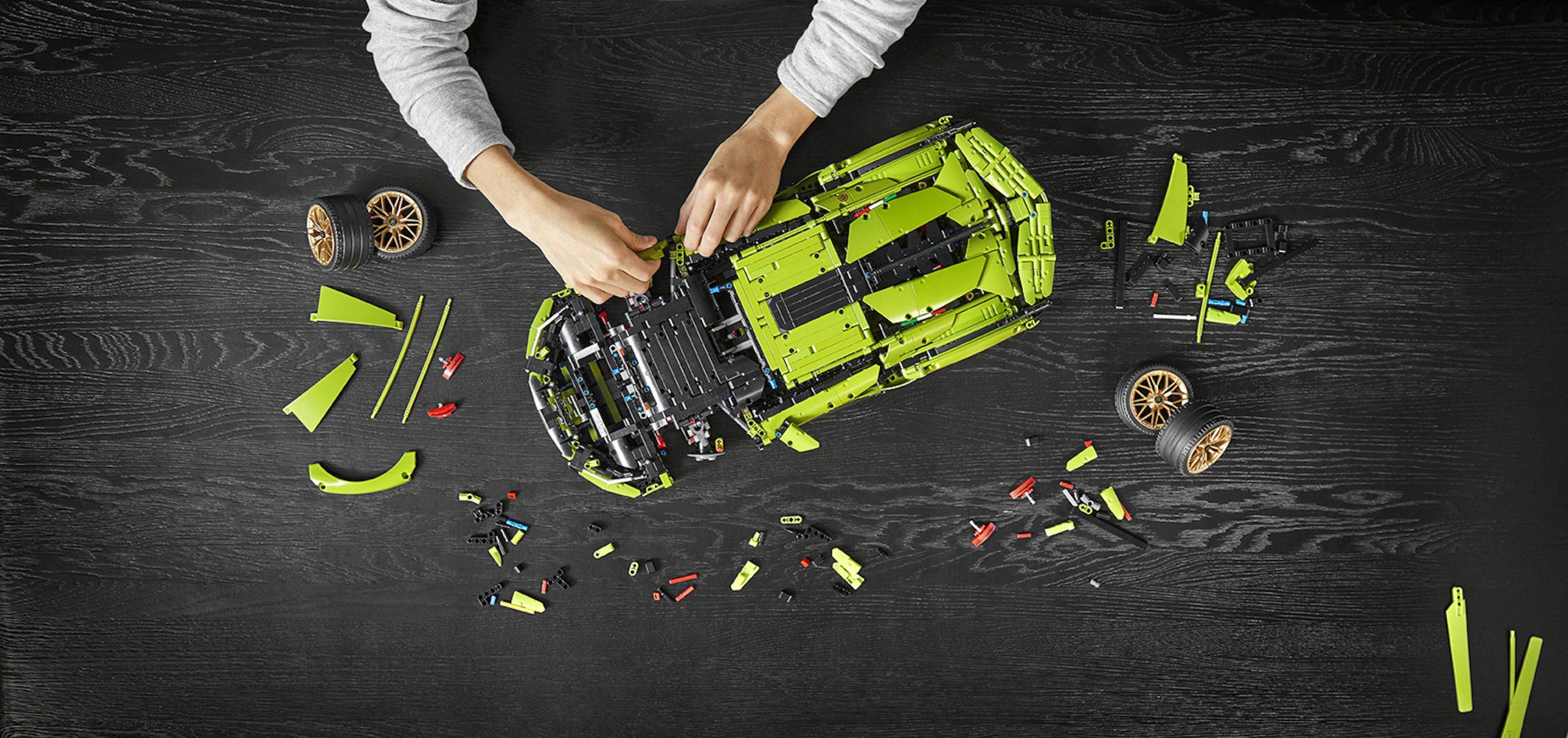 LEGO Lamborghini Sian Assembling Pieces
