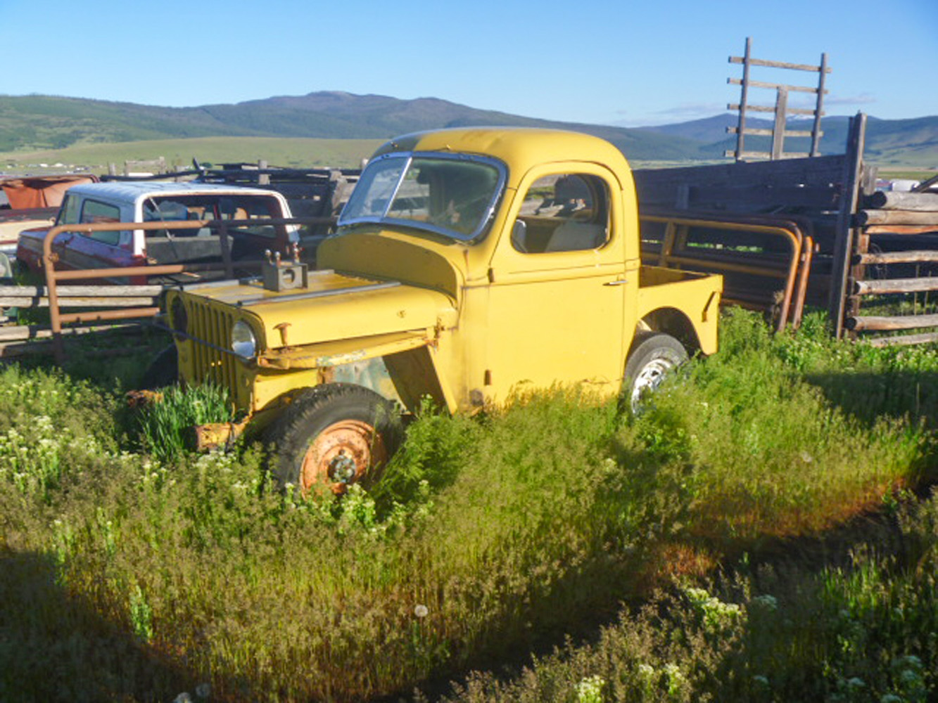 Montana Overland Jeep Ranch Willys/Ford pickup hybrid