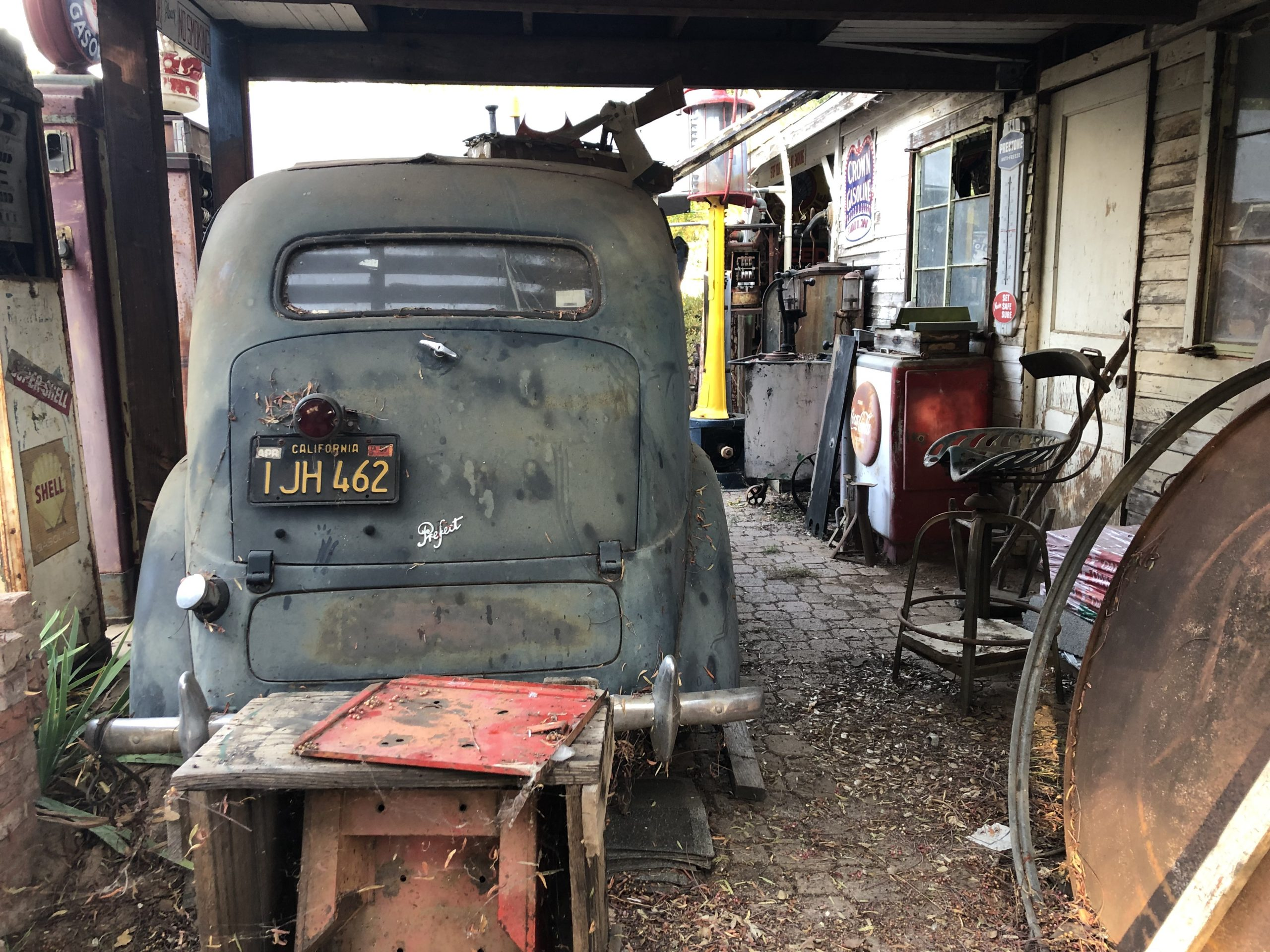 vintage prefect car rear