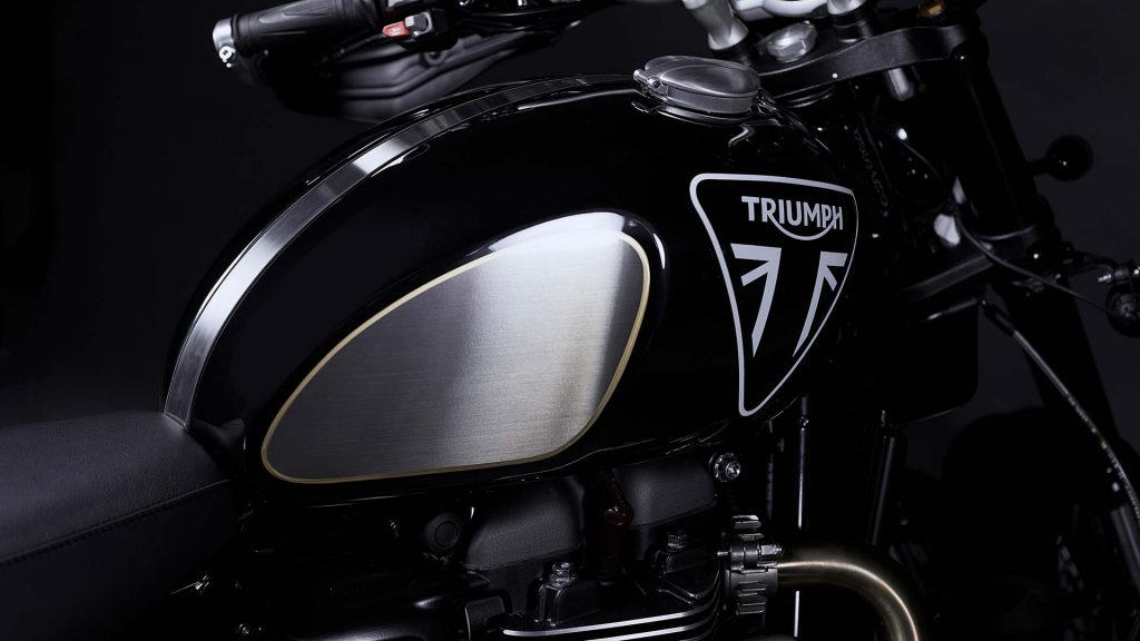 2020 Triumph Scrambler 1200 Bond Edition paint detail